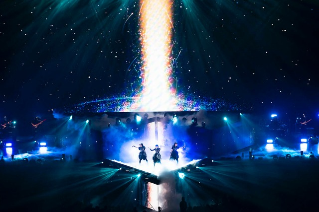 BABYMETAL「METAL GALAXY WORLD TOUR IN JAPAN」11月17日公演の様子。(Photo by Taku Fujii)