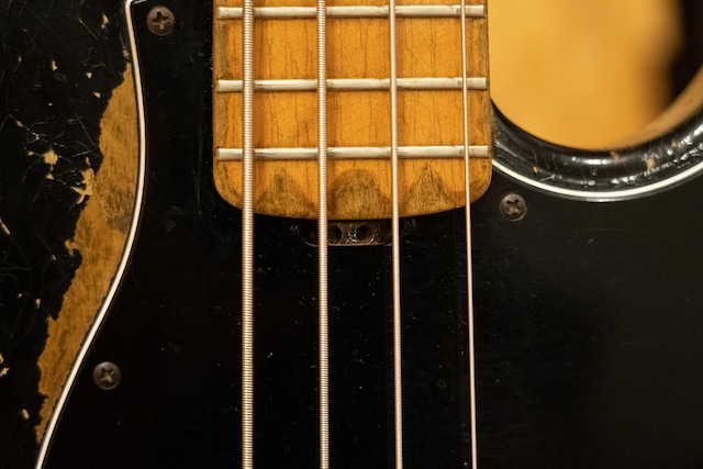 ESP Amazeのトラスロッド調整穴。