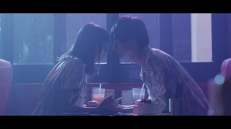 當山みれい「sayonara」ミュージックビデオのワンシーン。