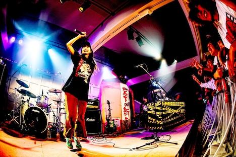 Misaki(SpecialThanks)とDANGER×DEER(DJ / KSUKE)。(撮影:浜野カズシ)