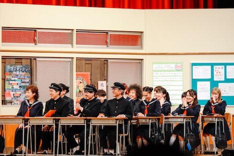 学園コントでの生徒たち。(撮影:関口佳代)