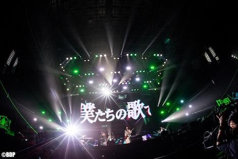 RAISE A SUILENのライブの様子。(写真提供:ブシロード)