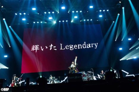 Roseliaのライブの様子。(写真提供:ブシロード)