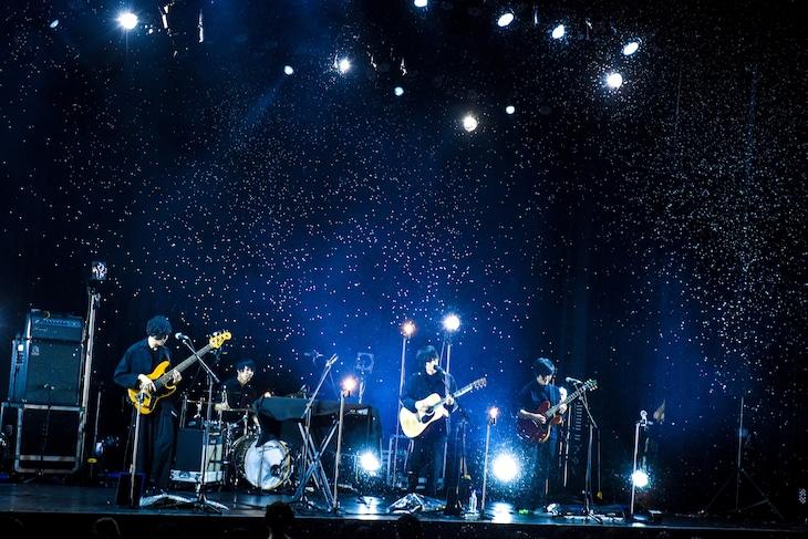mol-74「『Teenager』Release Tour」東京・ヒューリックホール東京公演の様子。(Photo by MASANORI  FUJIKAWA)