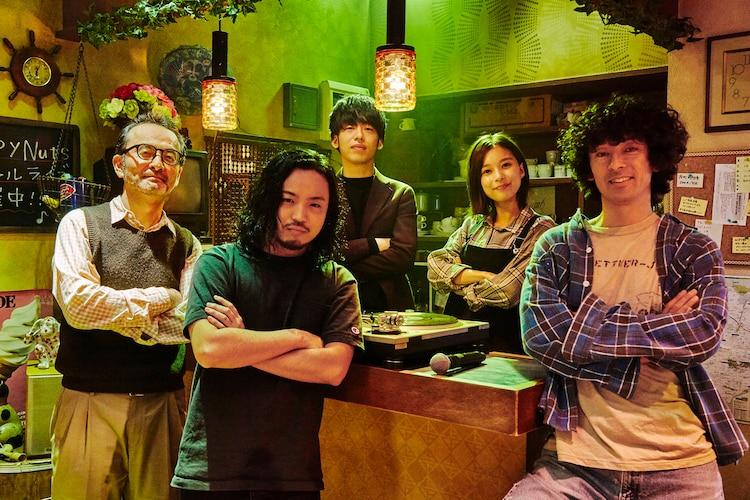 左から古舘寛治、R-指定、DJ松永、芳根京子、滝藤賢一。