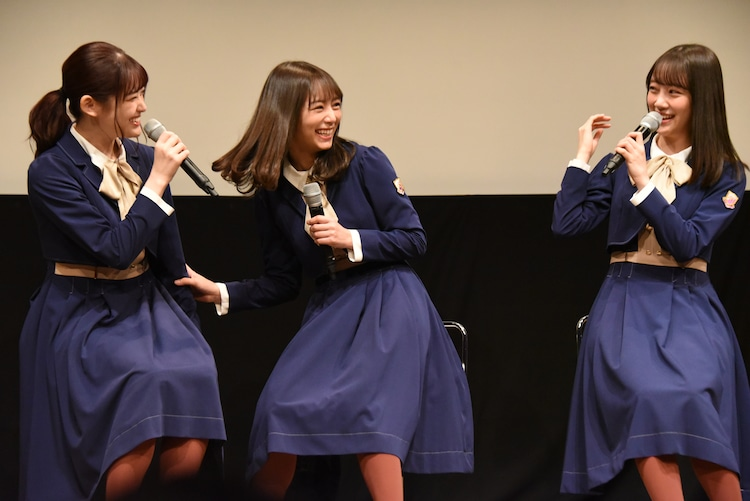 左から松村沙友理、北野日奈子、堀未央奈。