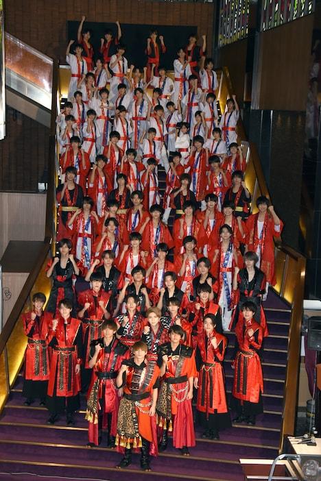 "「JOHNNYS' ISLAND」""2020年新春記念会見""の様子。"