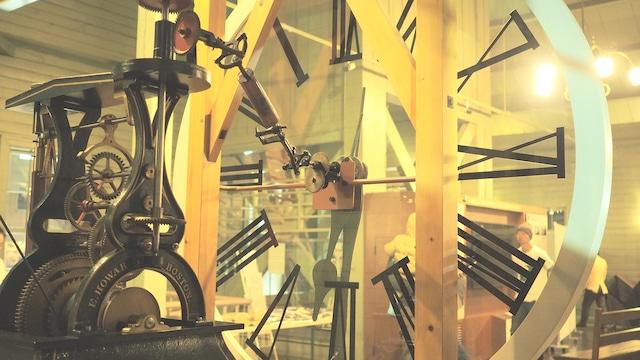 北海道・札幌市時計台内部に展示されている塔時計。