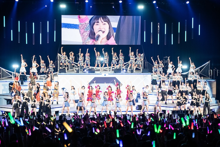 「Hello! Project 2020 Winter HELLO! PROJECT IS [     ]」初日公演の様子。