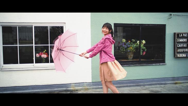 halca「one another」ミュージックビデオのワンシーン。