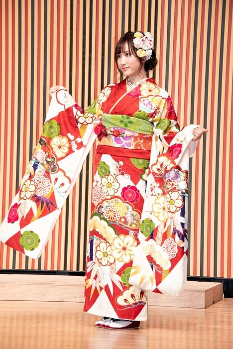 今年のAKB48グループの成人式に出席した際の西澤瑠莉奈。