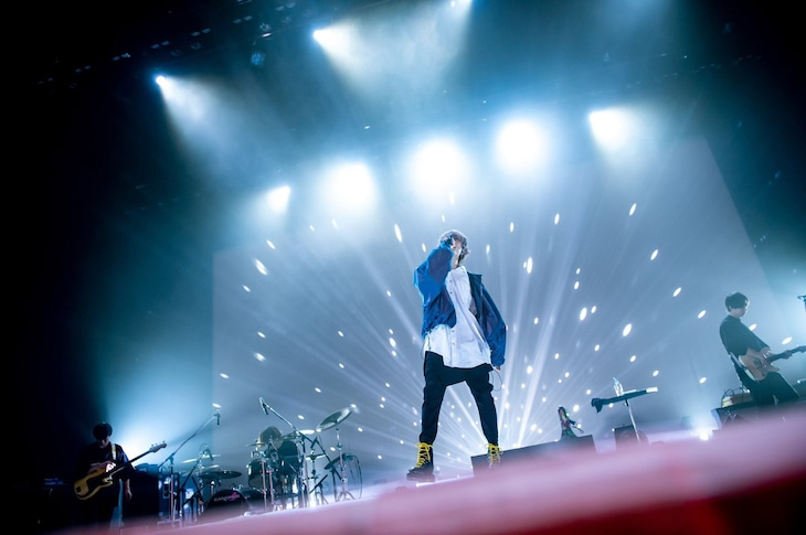 "Eve「Eve winter tour 2019-2020 ""胡乱な食卓""」最終公演の様子。(撮影:ヤオタケシ)"