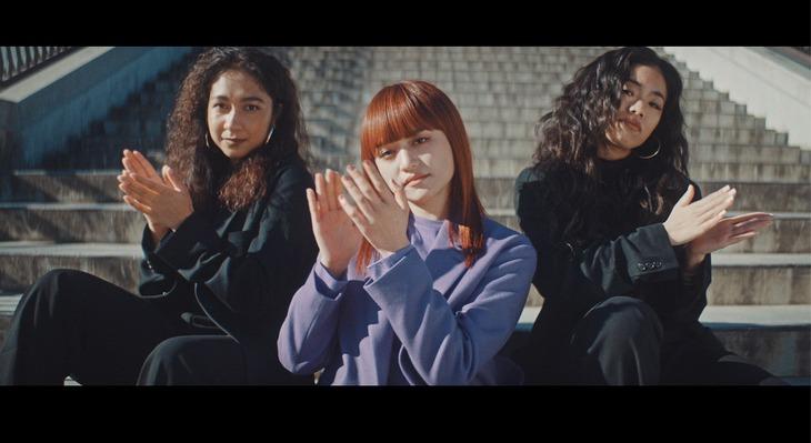 iri「24-25」ミュージックビデオのワンシーン。