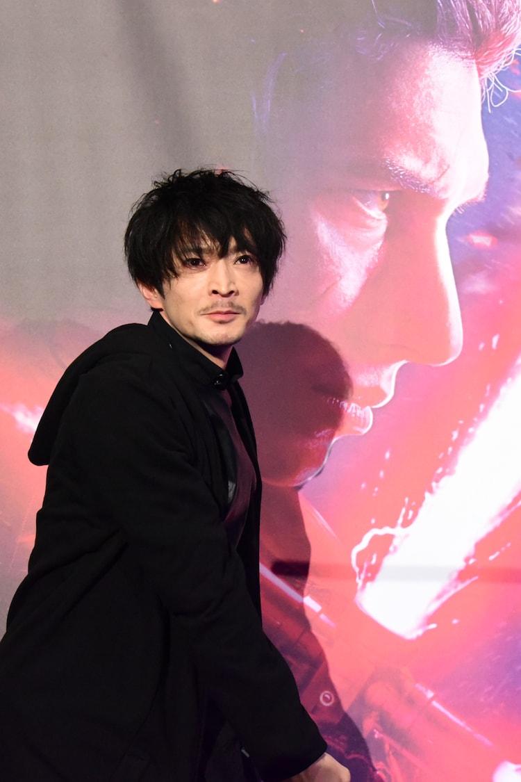 ベン・ソロチャレンジでライトセーバーを振り下ろした津田健次郎。