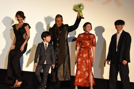 映画「太陽の家」公開記念舞台挨拶の様子。