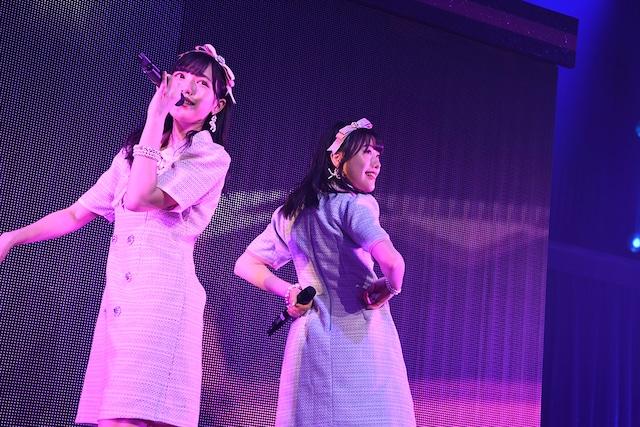 """「HKT48選抜メンバーコンサート~NEWYEARも、""""しょうもないこと""""本気でやろうぜ!ヨロシクどうぞ!~」の様子。(c)AKS"""