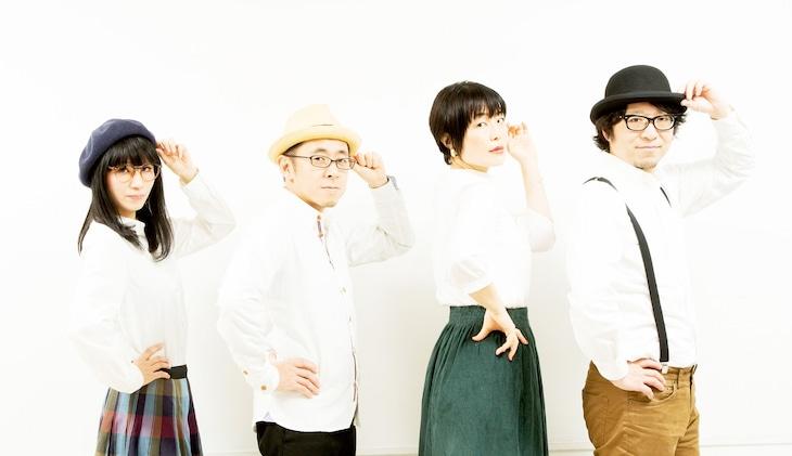 左から、美音子Fujishima(Swinging Popsicle)、杉本清隆(orangenoise shortcut)、常盤ゆう(risette)、嶋田修(Swinging Popsicle)。