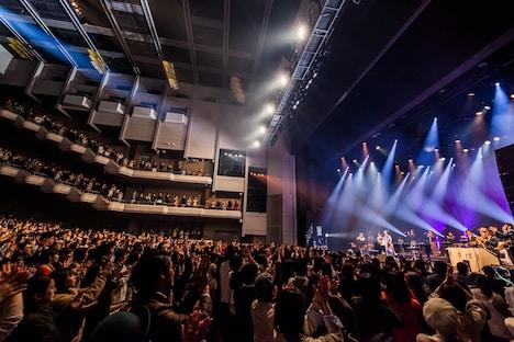 大橋トリオ「ohashiTrio & THE PRETAPORTERS YEAR END PARTY LIVE 2019」より。(撮影:勝永裕介)