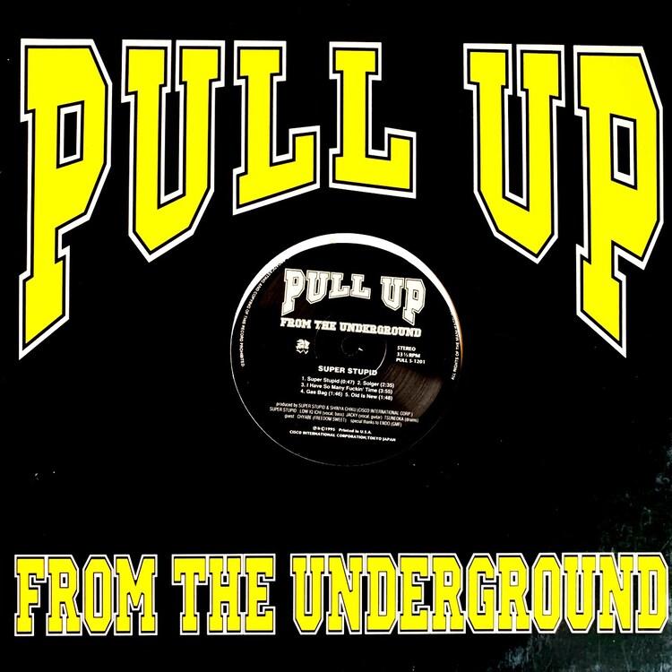 「Pull Up From The Underground」から1995年にリリースされたSUPER STUPIDとYOUNG PINEのスプリットシングル。YOUNG PINEはHI-STANDARDとCOKEHEAD HIPSTERSのメンバーによるセッションバンド。