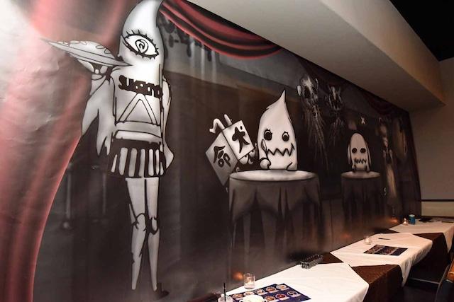 「The Zemeckises Cafe at Gamran Ball」内の様子。