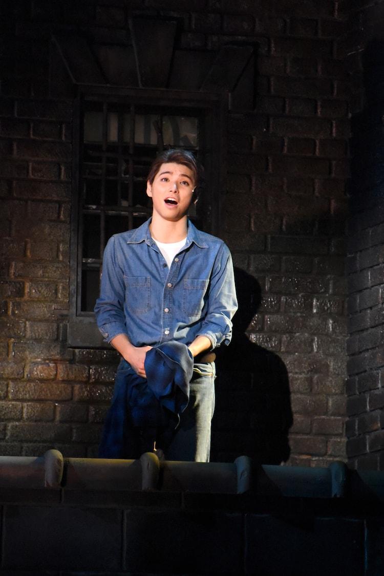 村上虹郎演じるトニー。