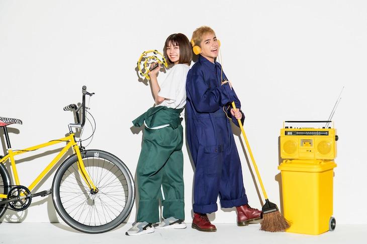 足立佳奈とRude-α。
