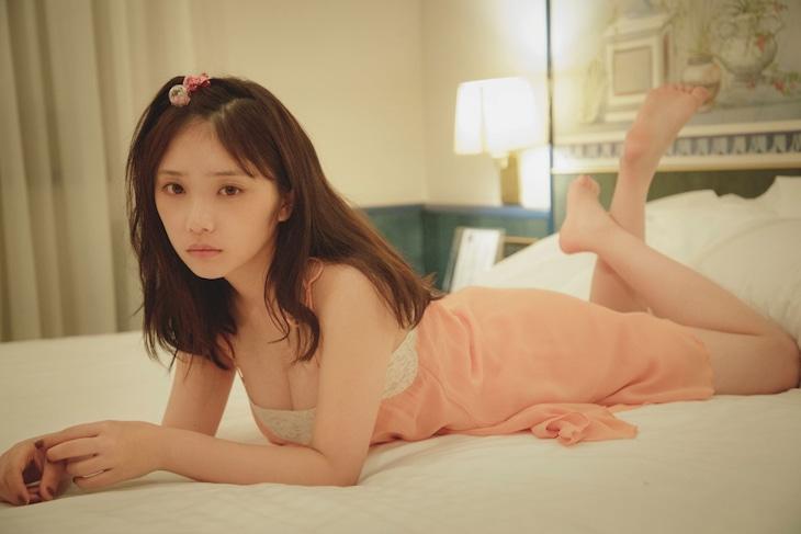与田祐希2nd写真集「無口な時間」未公開カット(撮影:菊地泰久)