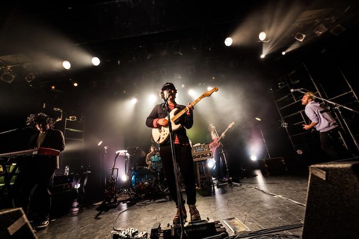 「THE CHARM PARK TOUR 2020」LIQUIDROOM公演の様子。(撮影:勝永裕介)