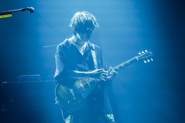若井滉斗(G)(撮影:上飯坂一)