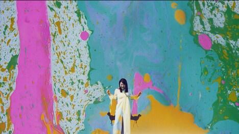 上白石萌音「From The Seeds」ミュージックビデオのワンシーン。