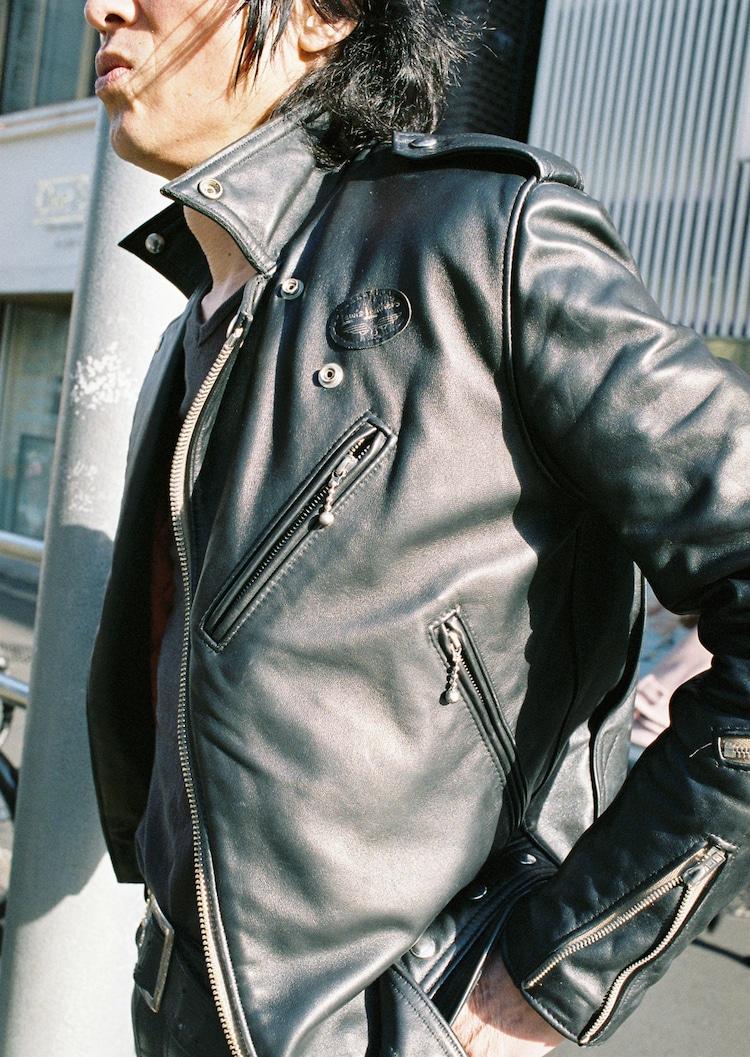 ルイスレザーズのレザージャケット。