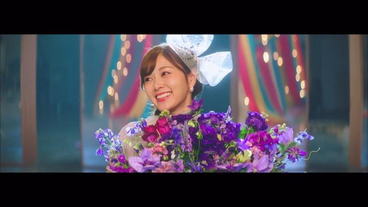 乃木坂46「しあわせの保護色」ミュージックビデオのワンシーン。