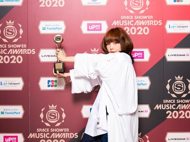 BEST POP ARTISTを受賞したaiko。