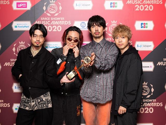 BEST MUSIC FRIENDSを受賞したOKAMOTO'S。