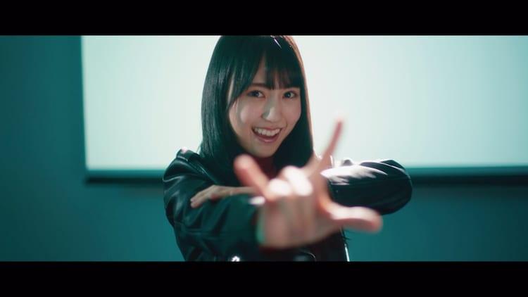 乃木坂46 4期生メンバー「I see…」ミュージックビデオより、賀喜遥香。