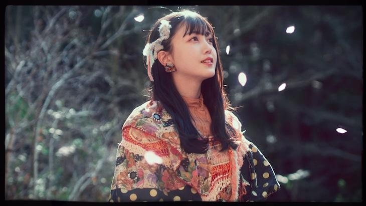 乃木坂46 3期生メンバー「毎日がBrand new day」ミュージックビデオより、久保史緒里。