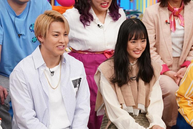 左からRIKU(THE RAMPAGE from EXILE TRIBE)、大友花恋。(c)NTV