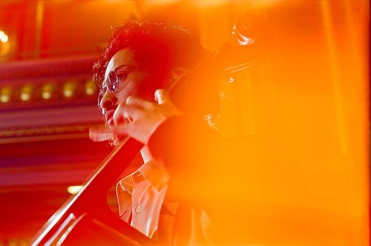 常田大希「N.HOOLYWOOD COMPILE IN NEWYORK COLLECTION」ミュージックビデオのワンシーン。
