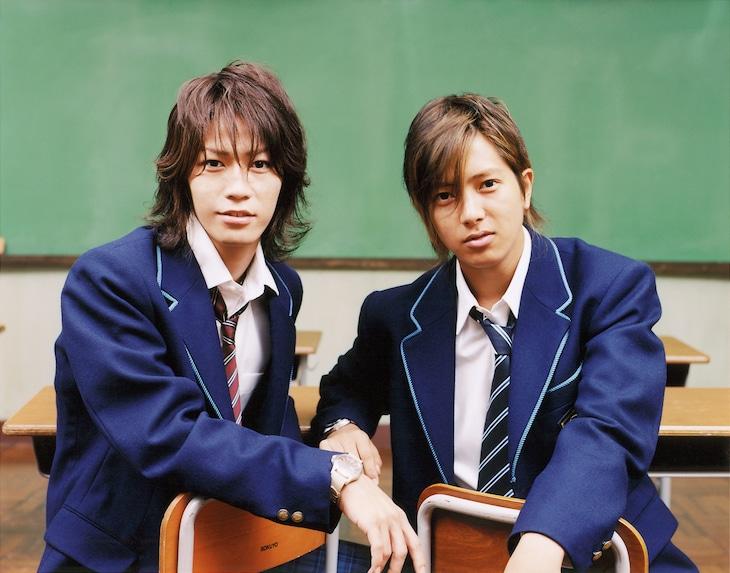 左から亀梨和也(KAT-TUN)、山下智久。(c)日本テレビ