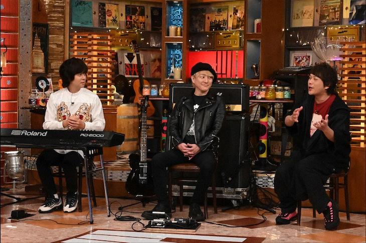 左からヒャダイン、松隈ケンタ、ピエール中野。(c)テレビ朝日