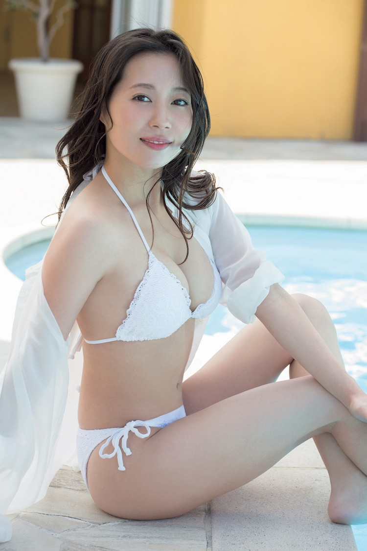 福田明日香「PASSIONABLE」より。