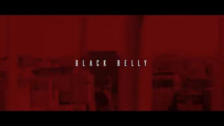 GADORO「BLACK BELLY」ミュージックビデオのワンシーン。