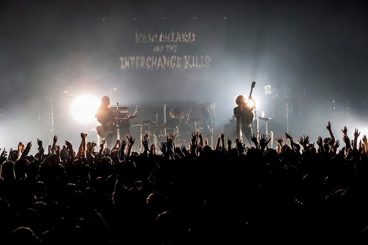 "「『Vinegar』 from ""BLOOD SHIFT TOUR 2019"" FINAL at MYNAVI BLITZ AKASAKA - 浅井健一&THE INTERCHANGE KILLS」のワンシーン。"