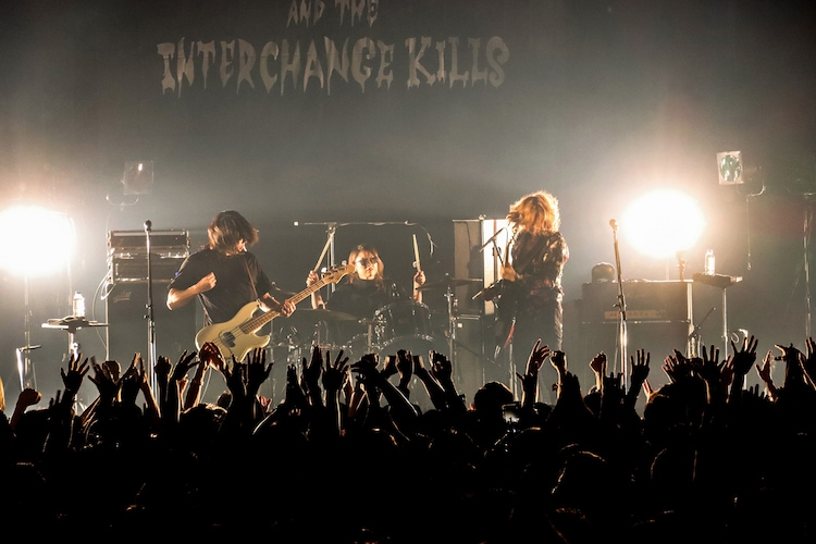 浅井健一 & THE INTERCHANGE KILLS「BLOOD SHIFT TOUR 2019」の様子。(撮影:岩佐篤樹)