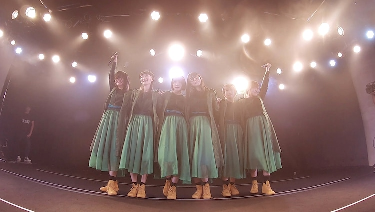 「BiSH / ALL YOU NEED IS LOVE [Thank you for KiND PEOPLE FREE LiVE in Matsuyama] at WstudioRED」より。