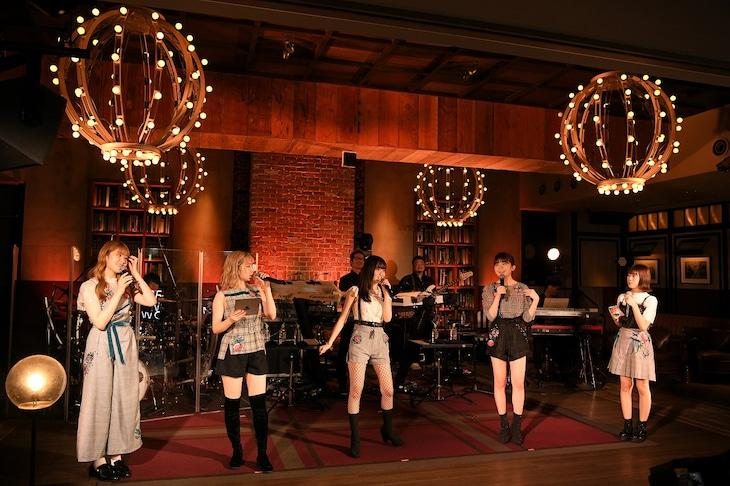 「Little Glee Monster >BRIGHT NEW WORLD< スペシャルオンデマンドライブ」より。(Photo by Yusuke Satou)