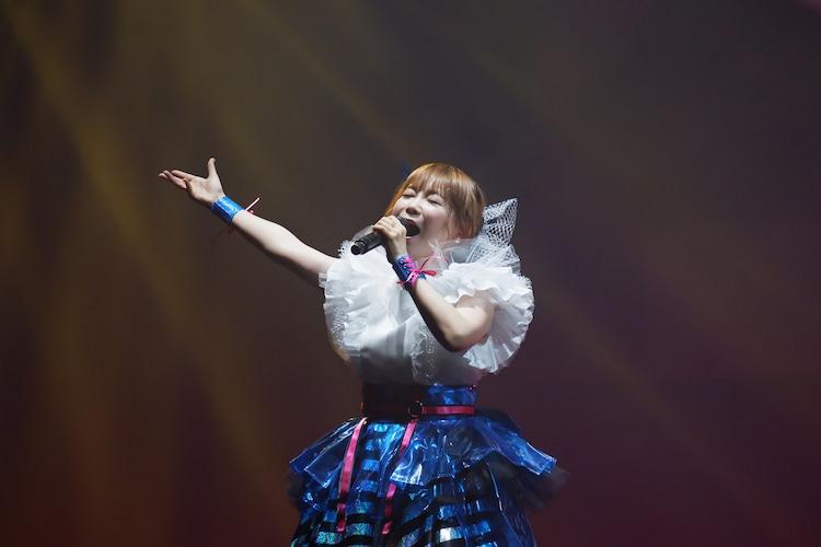 中川翔子の過去のライブの様子。