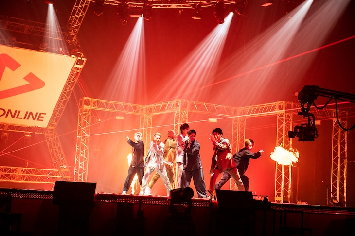 GENERATIONS from EXILE TRIBE「LIVE×ONLINE~ひとつになろうYou & I~」の様子。(写真提供:LDH)