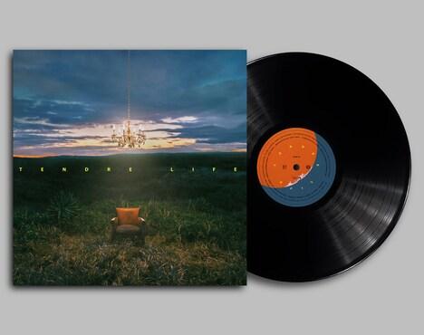 TENDRE「LIFE | HOPE [7INCH]」ジャケットと盤面。