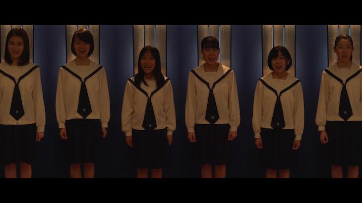 YouTube「須田景凪『Carol』covered by 杉並児童合唱団」より。